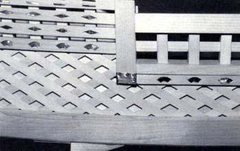 菱垣廻船の標職とした垣立下部の菱組の格子 菱垣廻船(ひがきかいせん)(... 日本財団図書館(電
