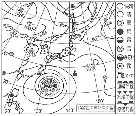 南海上の台風や弱い熱帯低気圧の強い風で発生した波が押し寄せ、太平洋岸では天気は良くてもうねりが高くなるので、マリンスポーツでは注意が必要だ。